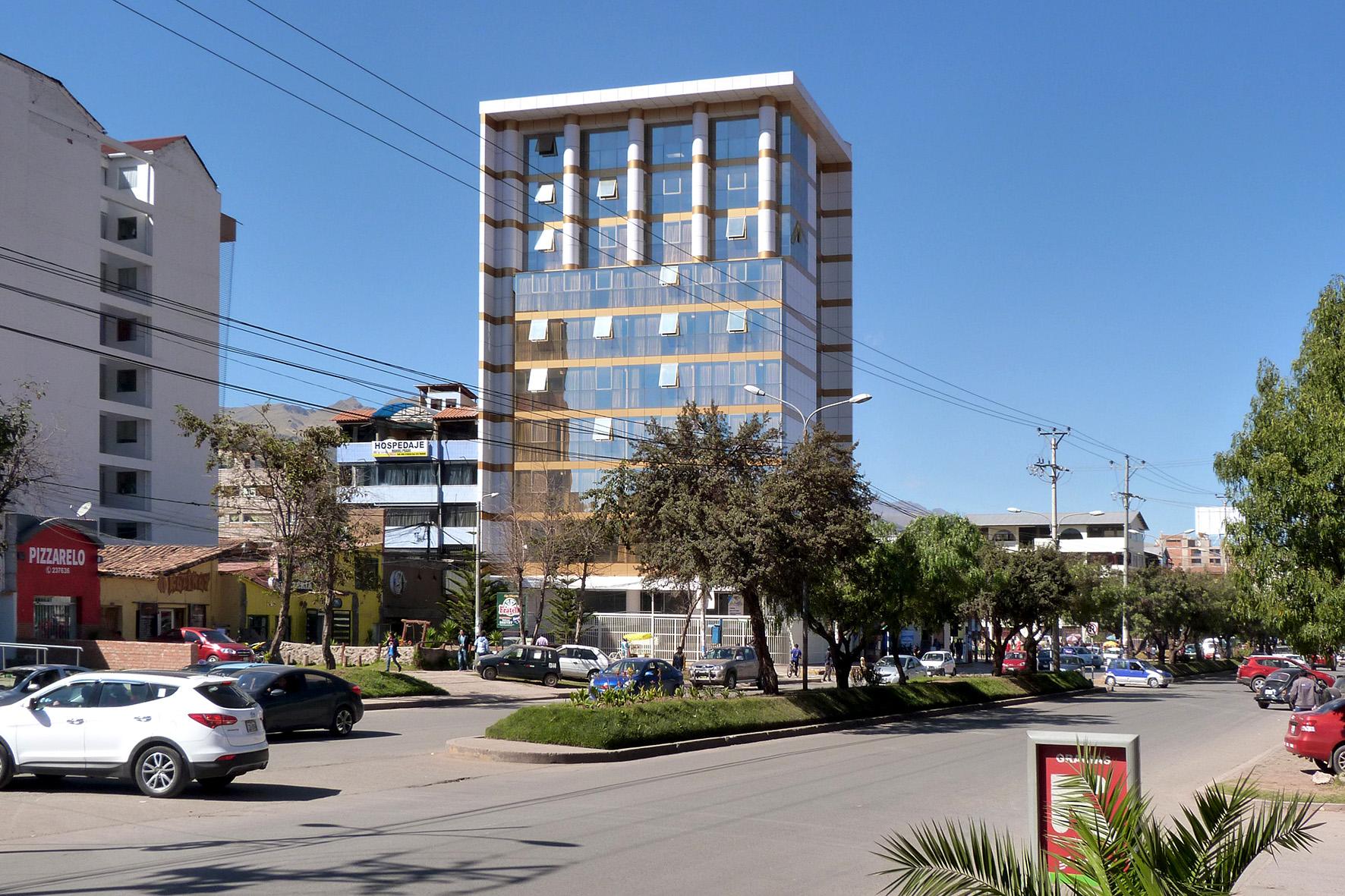 2011-2013, EDIFICIO INSTITUCIONAL UNIVERSIDAD PERUANA AUSTRAL DE CUSCO