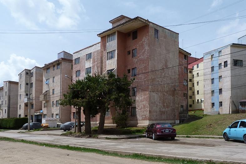 1985, Conjunto Habitacional Las Torres de San Carlos